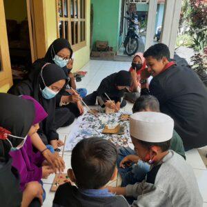 Ramadhan, Mahasiswa UMM PMM 46 Lakukan Daur Ulang sebagai Pengisi Waktu Luang Puasa