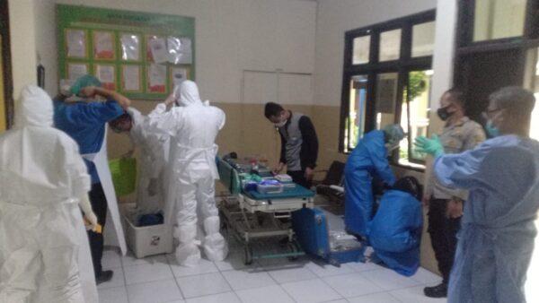 Ambil Sempel DNA, DVI Polda Jatim Berupaya Ungkap Identitas Mayat Misterius di Pulau Mandangin Sampang