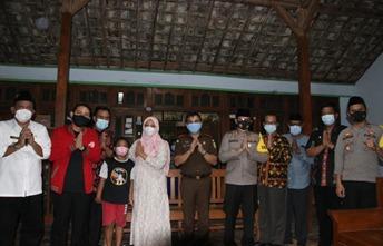 Sejumlah Kapolres di Wilayah Jatim Kunjungi Keluarga Korban KRI Nanggala 402