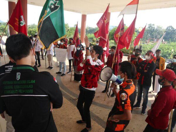 Hardiknas, Aliansi Mahasiswa Sampaikan Sikap di Kantor DPR Kota Lubuklinggau