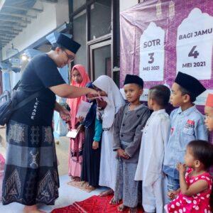 Ngalap Berkah, Madurock Community Berbagi Kebaikan di Bulan Suci Ramadhan