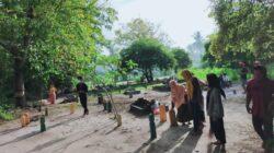 Hari ke-3 Pengabdian Himpass Bersih-bersih Makam di Desa Pagerungan Kecil