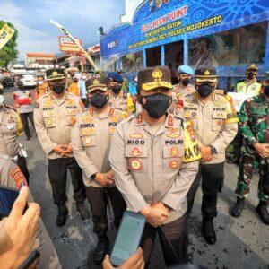 Sehari Setelah Lebaran, Kapolda Jatim Krmbali Tinjau Pos Chek Point
