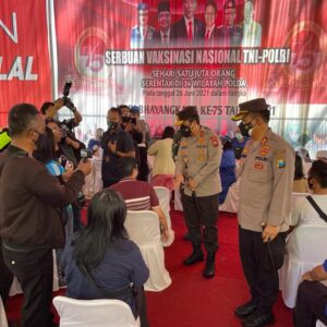 Sambut Hari Bhayangkara, Polda Jatim Melaksanakan Vaksinasi Serentak dengan Polda di Seluruh Indonesia