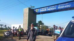 Satlantas Polres Bondowoso Laksanakan Himbauan Penerapan Prokes Ketat di Pasar Hewan Selolembu