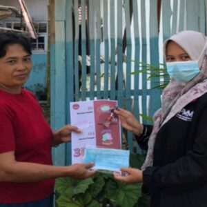 Sosialisasi Covid-19 di Desa Ternyang oleh Mahasiswa Kelompok 12 Gelombang 04 PMM UMM 2021