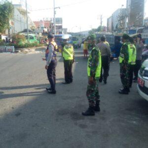 Pos Pengamanan Babat, Pantau Aktivitas Warga di Tengah Lebaran