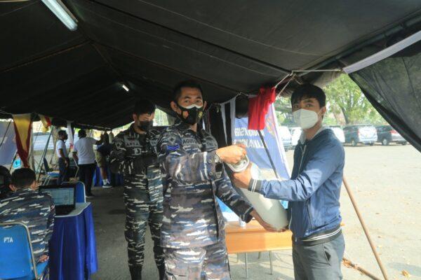 Sejak Hari Pertama Posko Pengisian Oksigen Gratis, Sebanyak 106 Tabung Sudah Diisi Untuk Masyarakat Surabaya Dan Sekitarnya