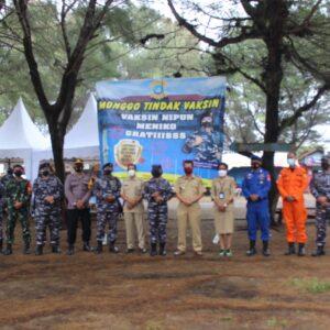 TNI AL Lanal Yogyakarta Kembali Laksanakan Serbuan Vaksinasi Tahap II di Posmat Congot